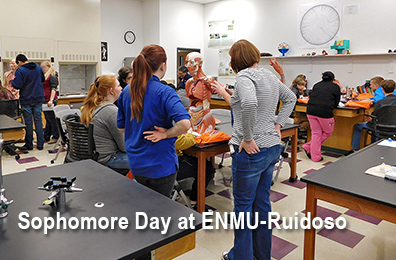 Photo of sophomores in biology class demonstration for Sophomore Day at ENMU-Ruidoso